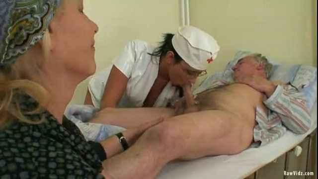 Порно секс дедушки и бабушки